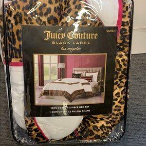 Juicy couture Queen Comforter Set